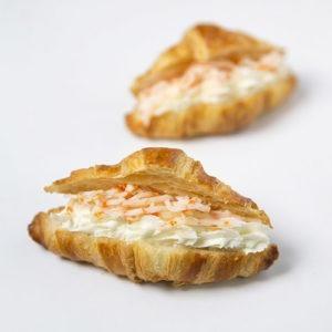 Croissanet formatge crema i marisc